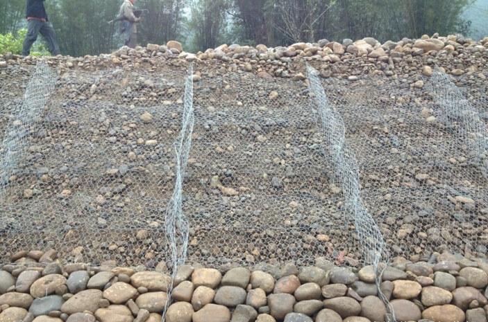 雷诺护垫各河脚施工图例