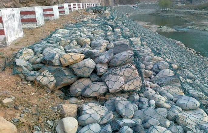 雷诺护垫水利施工应用图例