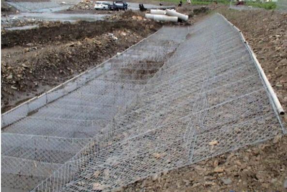 河道护坡雷诺护垫在河道规格应用图片