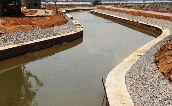 铅丝石笼网应用河道施工案例图片