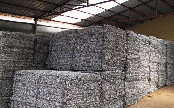 东润铅丝石笼网生产出厂前图片