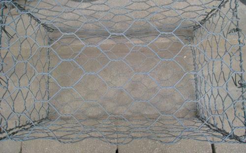 装石铁丝网出厂图